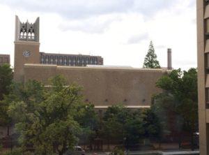 大隈講堂の煙突