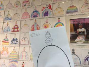 店内の壁に飾られた一般の方から応募されたデザイン画