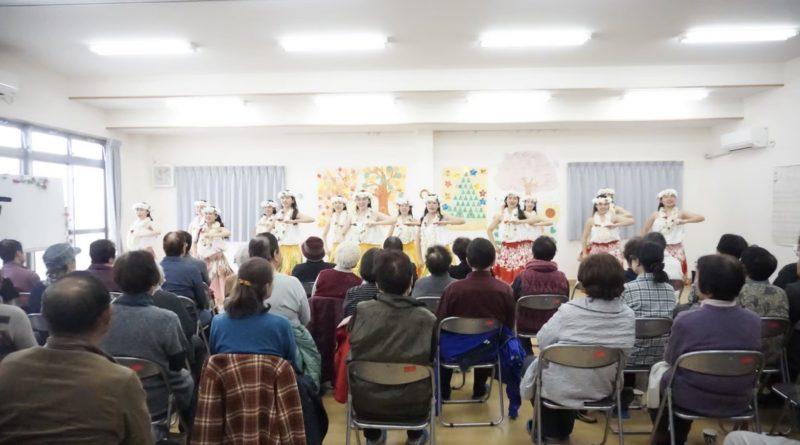 永崎団地での交流会の様子 (撮影:荻野結衣)